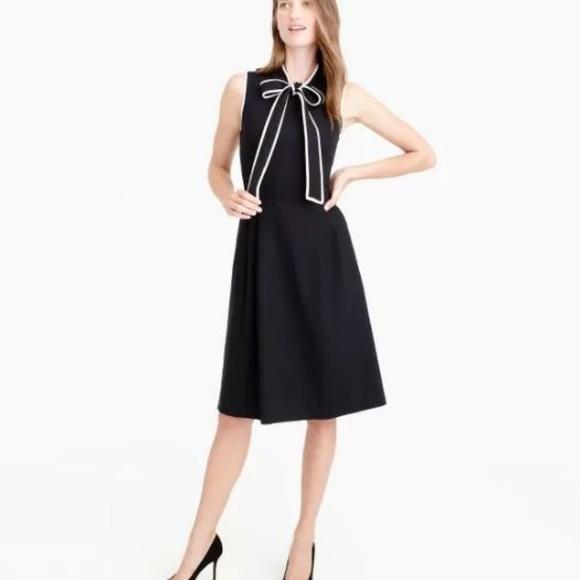 d2386b969 ... Tie-neck dress in Italian wool crepe 00P. M_5a8f2ce350687c94ca9bba0b